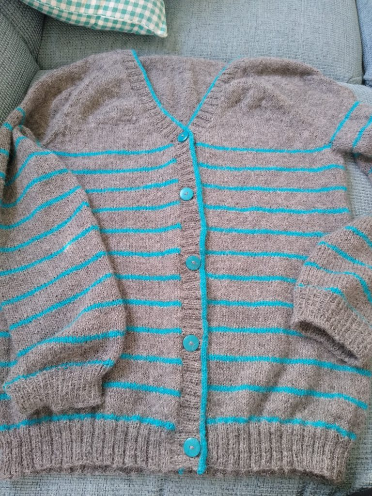 paulie cardigan, knitting, breien, stricken, i cord bind off,