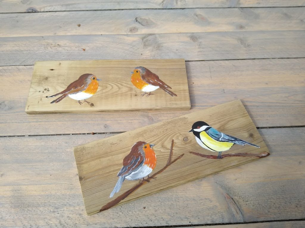 tuinvogels op hout, schilderij, kunst, vogels, roodborstje, koolmees, koolmeesje, roodborst